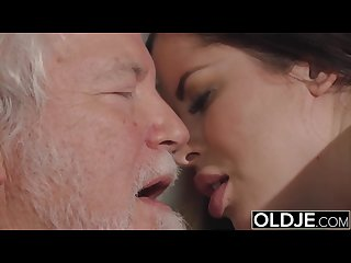 Teen mouth fucked hardcore takes cock deepthroat in old young pussy fuck