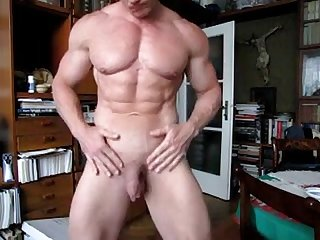 Bodybuilder has long Foreskin Yummy