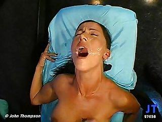 Monja in orgasm