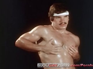 Hot solo from muscular roger the best of roger vintage