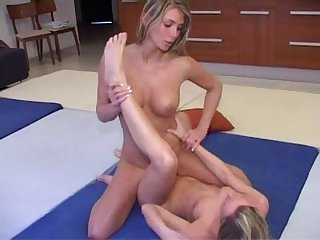 Lesbion porno Maid