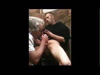 Pagou para mamar o drogado