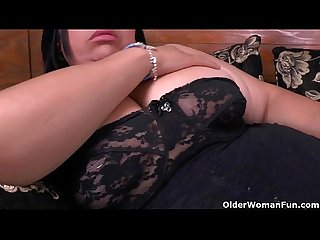 Latina milf Laura has her wicked ways