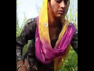 Desi girl friend in open feilds khet