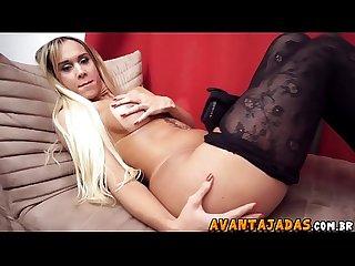 Anita evelyn Transex de bunda grande faz ensaio sensual
