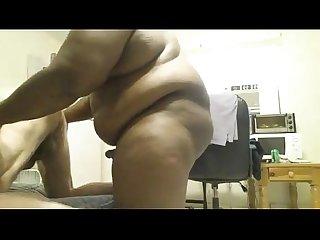 nego gordo metendo e mostrando a rola grande