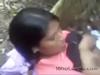 sri lankan women fuck in the jungle