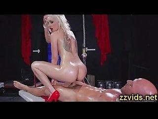 sexy blondynka Stevie Shae Przejebane Dysk po masaż