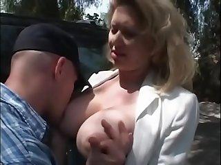 Estmal die ehemalige lehrerin im garten weggefickt
