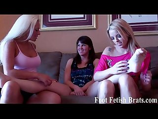 Leyla gets her feet worshiped by courtney and bella