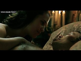 Alicia vikander topless butt sexy scenes en kongelig affaere 2012