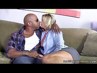 Busty mom phyllisha anne shares black cock with haley sweet