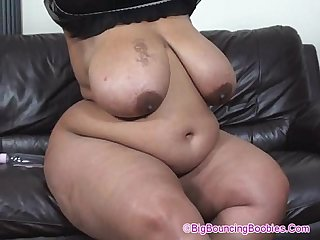 Shanice big bootie on sofa