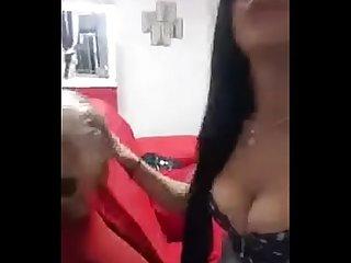 novinha mostra as tetas na live no instagram