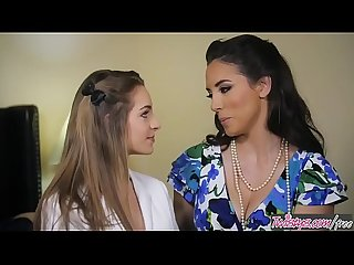 Mom knows best jelena jensen kimmy granger milf makes shy teen eat her out twistys