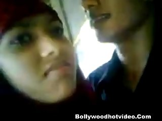 Bangldeshi muslim girl outdoor sex with boyfriend