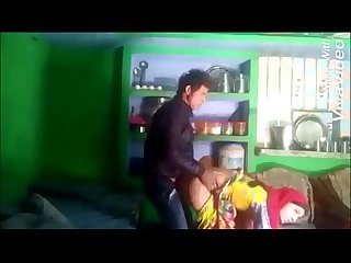 Kitchen mein Bhabhi ko chod diya phat gayi chut