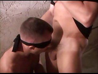 Mascarado fudendo gay a fora