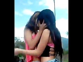 Amigas Lesbianas perreando