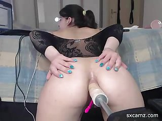 Webcam girl get fucked by machine in ass sxcamz period com
