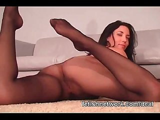 Pantyhose spreading babe