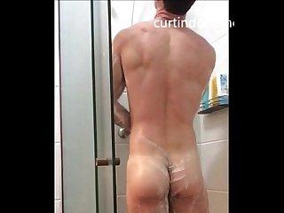 Vamos tomar banho com o igor delicia o cara